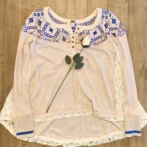 FREE PEOPLE WHITE&BLUE LONG SLEEVE SHIRT SMALL